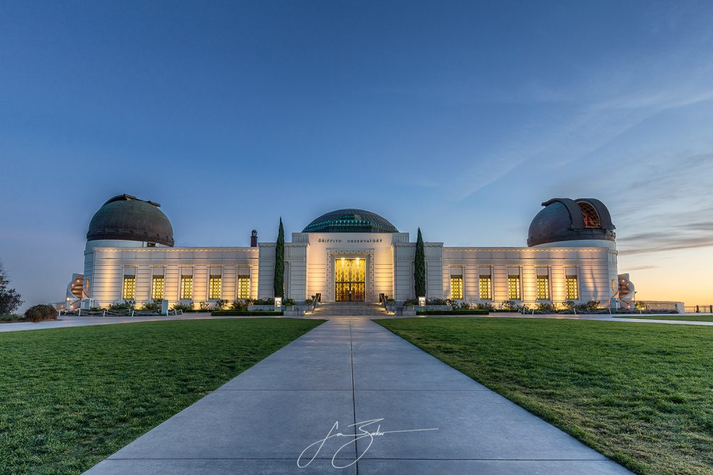 Griffith Park Observatory - Los Angeles, USA by Jon Barker